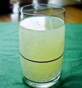 Березовый сок с изюмом или березовый квас