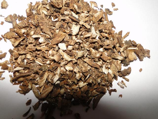 Сушенный корень одуванчика