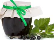 Вкусное желе из ягод черной смородины