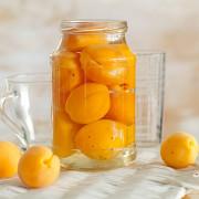 Компот из абрикосов на зиму - простой рецепт