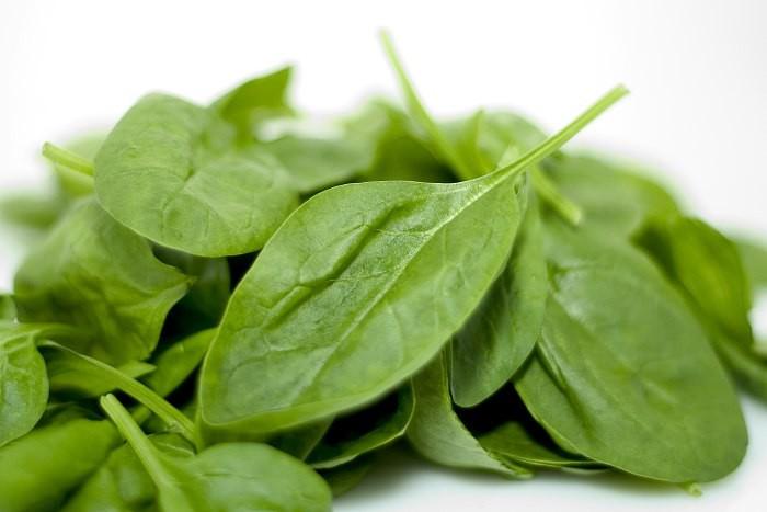 Противопоказания и вред шпината