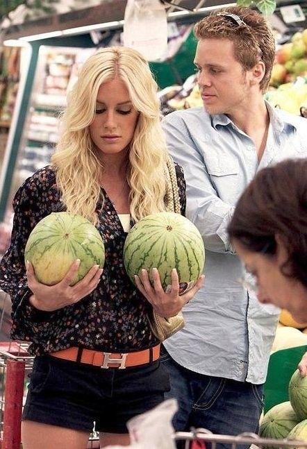 Арбуз это ягода, фрукт или овощ?