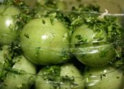 Соленые помидоры на зиму - классический рецепт