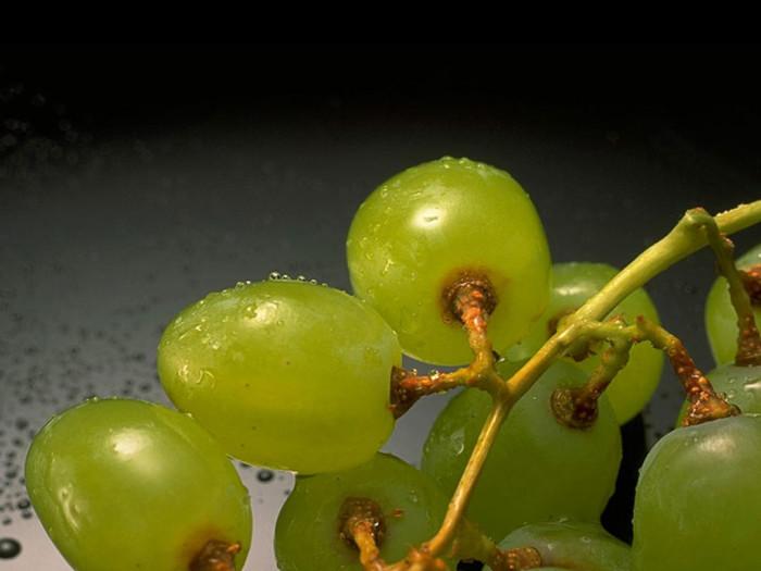 Рецепт консервирования винограда в собственном соку на зиму