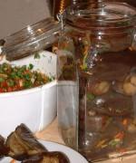 Маринованные баклажаны фаршированные чесноком, морковью и перцем