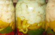 Консервированный перец с цветной капустой