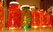 Сладкие и вкусные консервированные помидоры на зиму