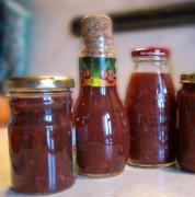 Домашний соус из слив и яблок к мясу