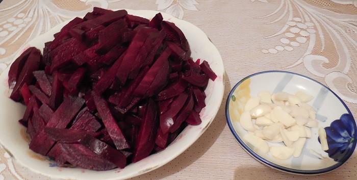 свекла с чесноком салат на зиму
