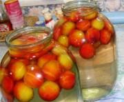 Домашний компот из персиков с косточками