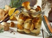 Простой рецепт как консервировать грибы в кисло-сладком маринаде