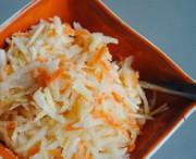 Зимний салат: морковь, хрен и яблоки