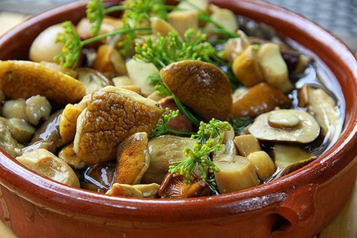Маринование грибов в отдельно сваренном маринаде