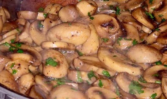 Тушеные грибы рецепт