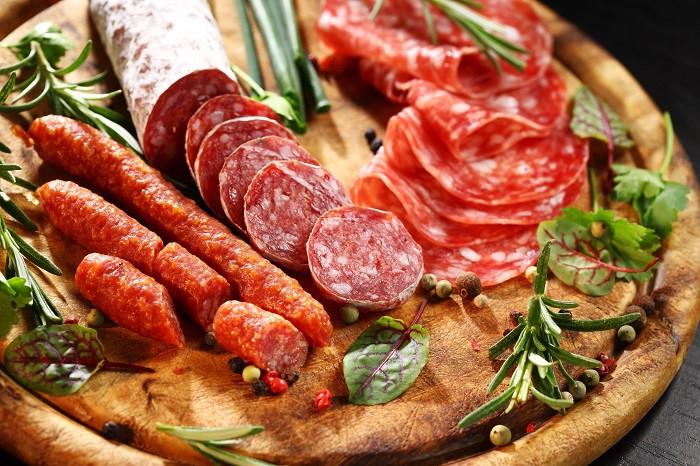 История возникновения колбасы в мире