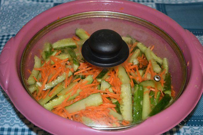 Огурцы по-корейски с морковью и чесноком на зиму