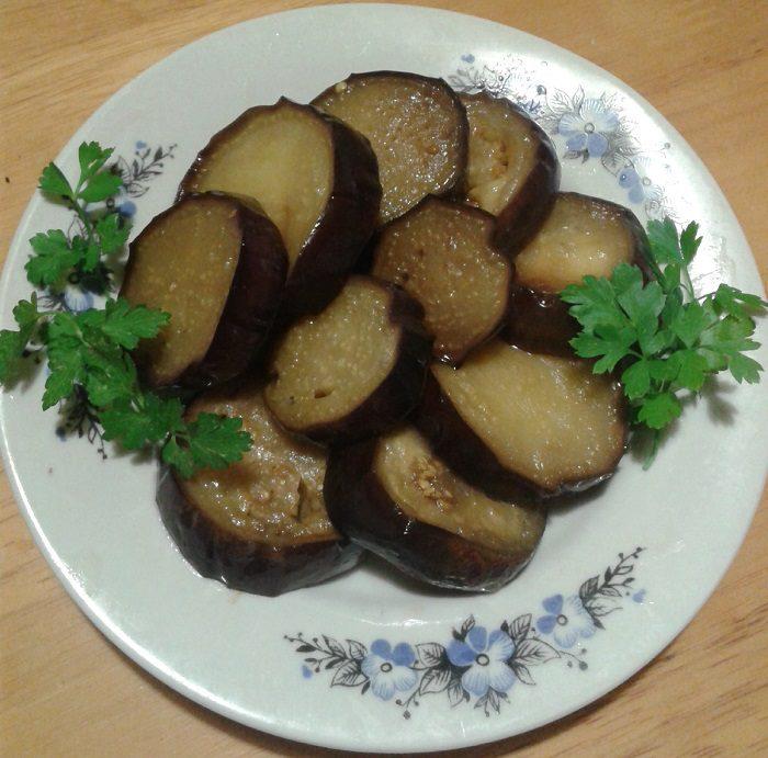 Жареные баклажаны с чесноком на зиму