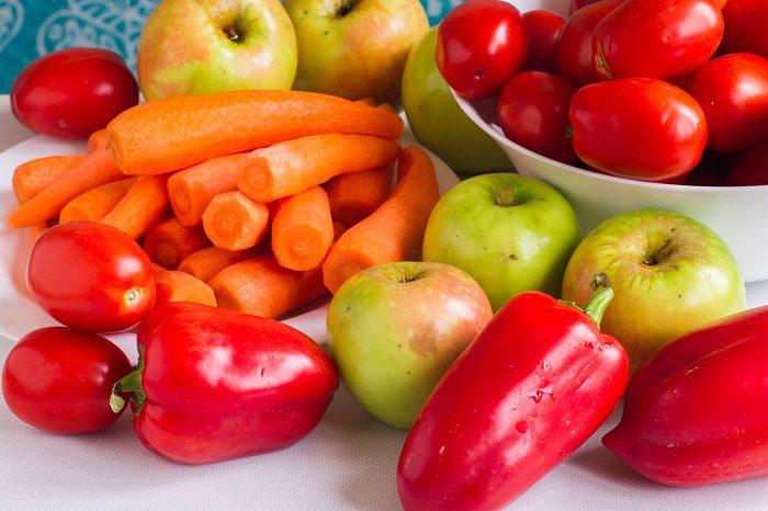 Аджика с яблоками, помидорами и морковью без стерилизации