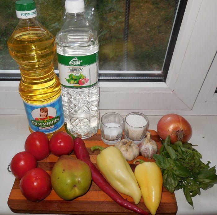 Густая томатная аджика с грушами и базиликом