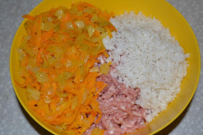 Овощи, мясо и рис
