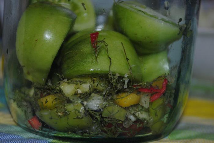 Салат из зеленых помидор быстрого приготовления