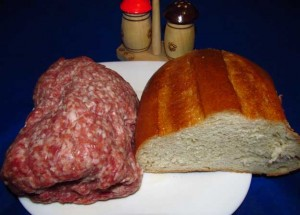 Фарш и хлеб