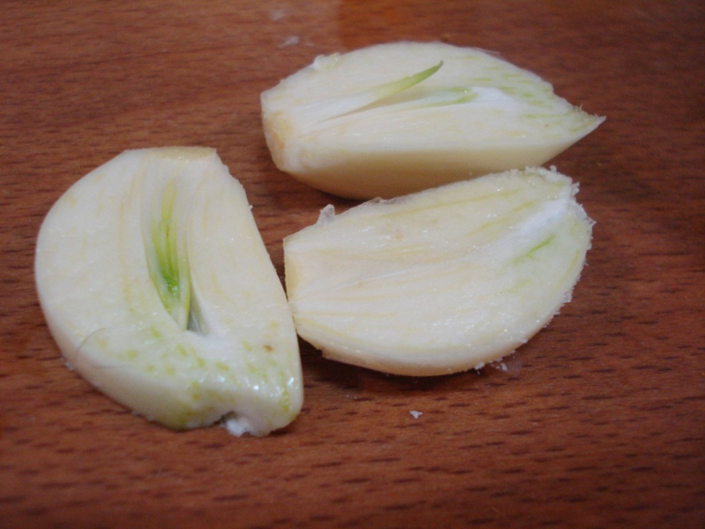 Соленое сало с чесноком