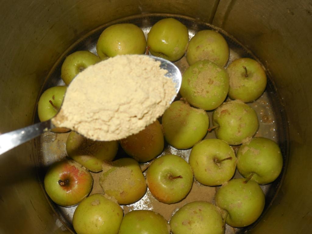 Моченые яблоки в медово-горчичном маринаде
