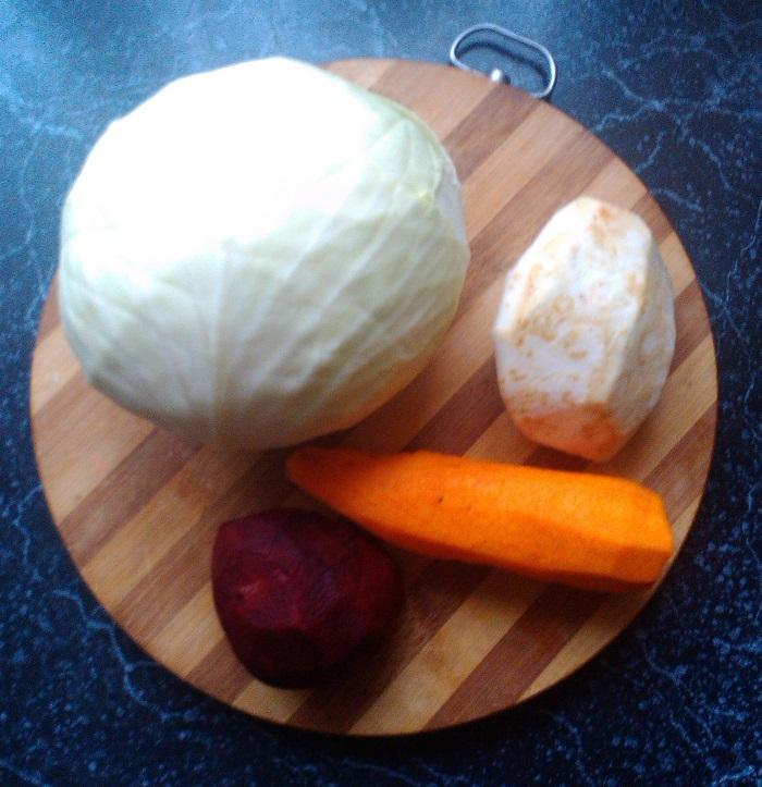 Квашеная капуста с овощами