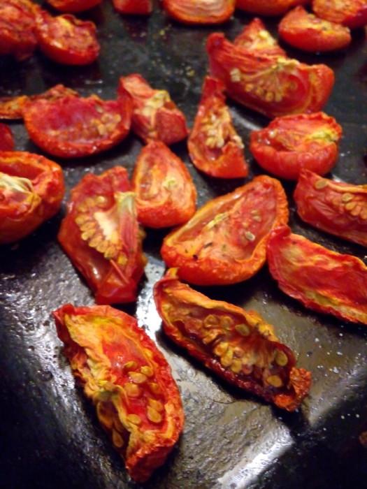 Вяленые томаты в масле с итальянскими травами