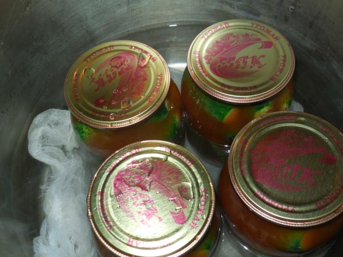 Маринованные огурцы с кетчупом чили