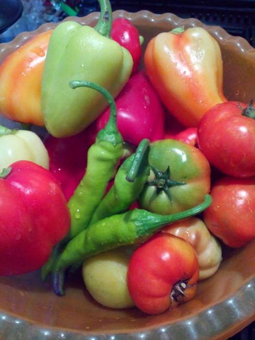 Острая аджика из перца и помидор на зиму