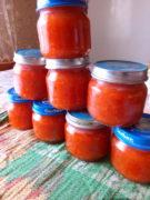 Острая аджика из помидор, перца и чеснока на зиму