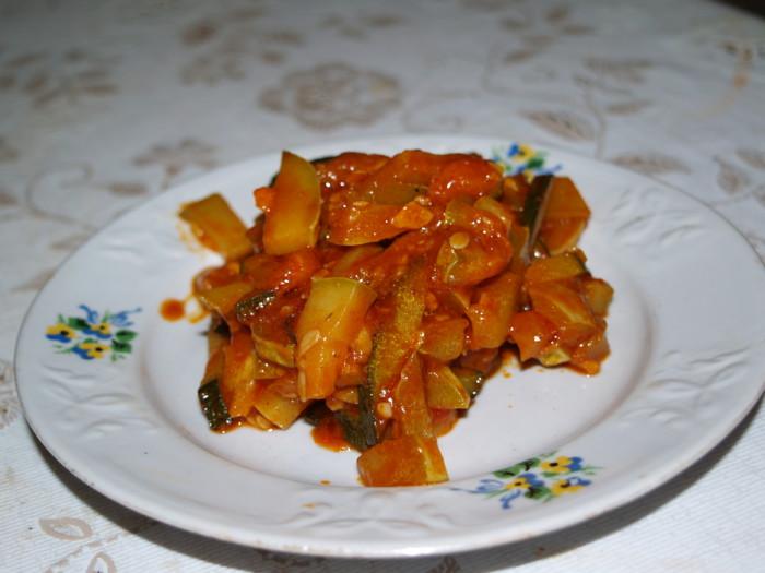 Салат из кабачков в томате без стерилизации
