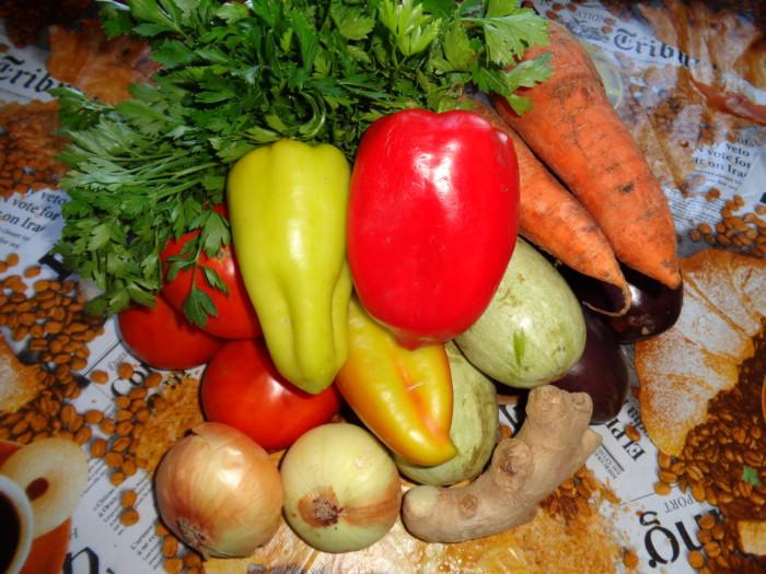 Овощная икра с баклажанами на зиму