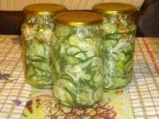 Салат из огурцов с луком, перцем и чесноком на зиму