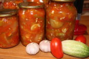 Грузинский салат из огурцов и помидоров на зиму