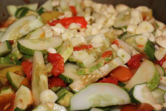 Как делать салаты на зиму