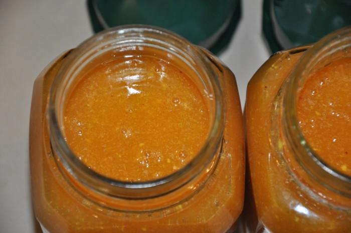 Сырое варенье из персиков